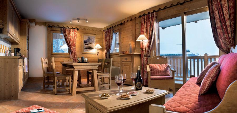 france_paradiski-ski-area_la-plagne_les_grange_du_soleil_apartments_dining_area.jpg